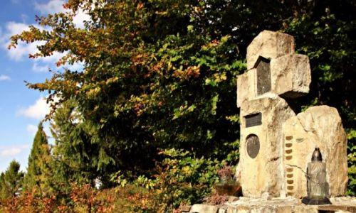 Zdjecie POLSKA / Gorce / Turbacz / Kamienny krzyż.