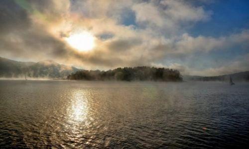 Zdjęcie POLSKA / Bieszczady / Solina / Mgła nad Soliną