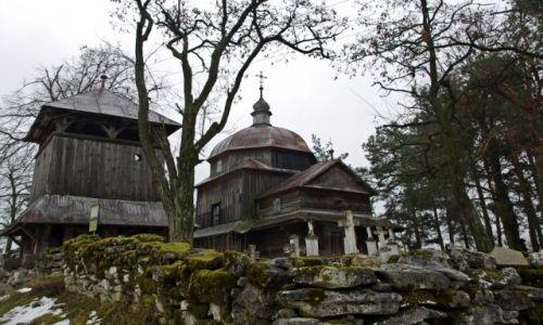 Zdjecie POLSKA / Roztocze Wschodnie / Wielka Wola gm Narol / Opuszczona cerkiew z 1755 r.