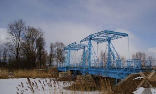 Zdjecie POLSKA / Żuławy / Jezioro / Most zwodzony w Jeziorze