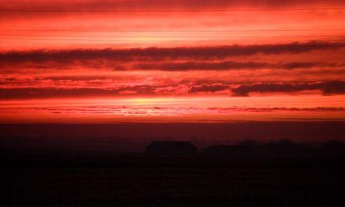 Zdjęcie POLSKA / kujawsko-pomorskie / Chełmica / Zachód słońca