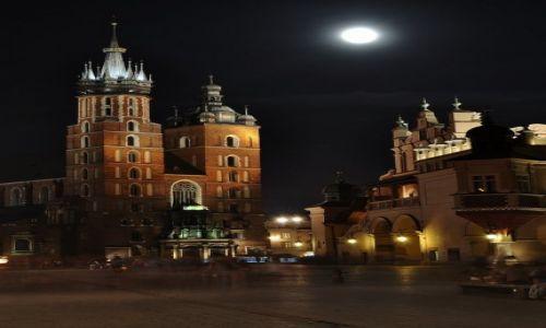 Zdjecie POLSKA / Małopolska / Kraków / Kraków, księżycowa noc