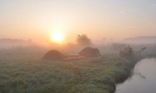 POLSKA / rzeka Wieprz / okolice Krasnystawu / Wschód słońca
