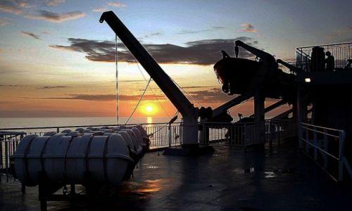 Zdjęcie POLSKA / Morze Bałtyckie / Wybrzeże / łódka