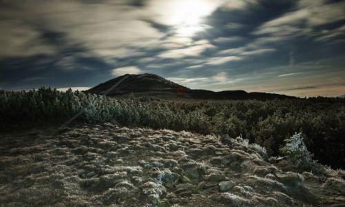 Zdjęcie POLSKA / Beskid Makowski / Babia Góra / księżyc wskazuje drogę