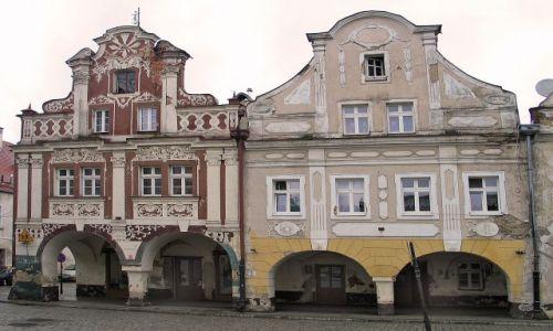 Zdjęcie POLSKA / brak / Lądek Zdrój / Kamieniczki w rynku