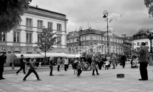 Zdjęcie POLSKA / Mazowsze / Warszawa / Podróże są zabawne. Chwytaj ulotne chwile.