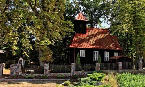 Zdjecie POLSKA / Kujawsko-Pomorski / Kozielec / Drewniany kościół w Kozielcu