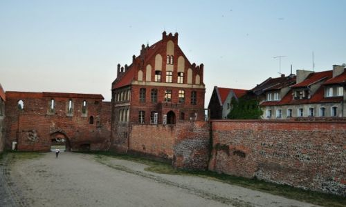 POLSKA / Kujawsko-Pomorskie / Toruń / Toruń, dawna fosa zamkowa