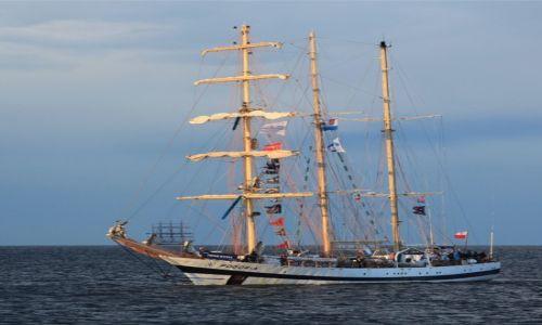 Zdjęcie POLSKA / Pomorze / Zatoka Gdańska / Trójmasztowa barkentyna STS Pogoria