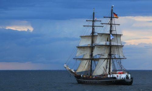 Zdjęcie POLSKA / Pomorskie  / Gdynia / Niemiecki żaglowiec Roald Amundsen