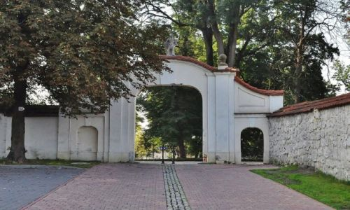 Zdjęcie POLSKA / Małopolska / Staniątka / Staniątka, klasztor i kościół Benedyktynek