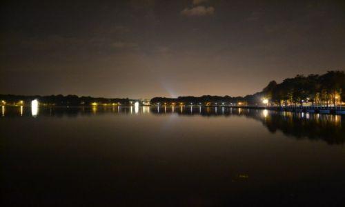 Zdjęcie POLSKA / Górny Śląsk / Tychy - Paprocany / Paprocany nocą