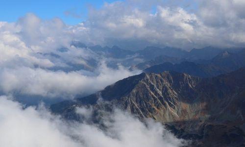 Zdjęcie POLSKA / Tatry Wysokie / Kozi Wierch (2291 m n.p.m) / w chmurach
