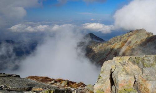Zdjęcie POLSKA / Tatry Wysokie / Kozi Wierch (2291 m n.p.m) / widok na stronę słowacką