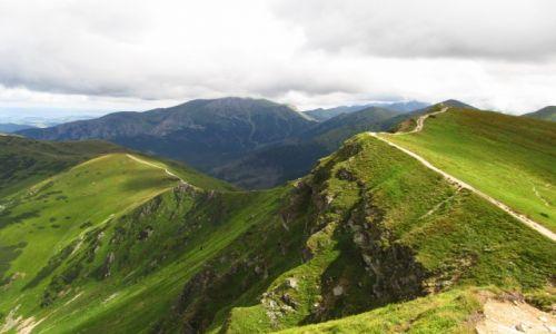 Zdjecie POLSKA / Tatry / zdjęcie wykonane podczas schodzenia ze Starobociańskiego Wierchu w kierunku Błyszcza / Tatry Zachodnie
