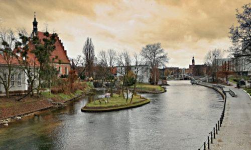 Zdjęcie POLSKA / kujawsko-pomorski / Bydgoszcz / Bulwar nad Brdą-widok z mostu