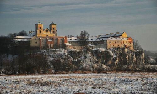 Zdjęcie POLSKA / Małopolska / Piekary naprzeciw Tyńca / Tyniec zimą