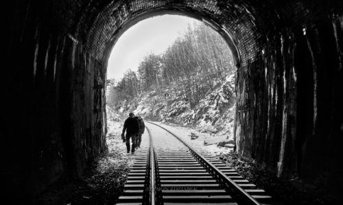 Zdjęcie POLSKA / Góry Wałbrzyskie / Wałbrzych / Światło w tunelu
