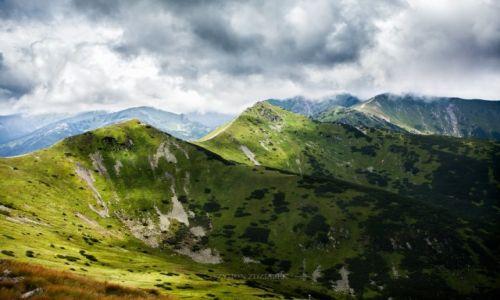 Zdjęcie POLSKA / Tatry / Czerwone Wierchy / Pod połacią chmur
