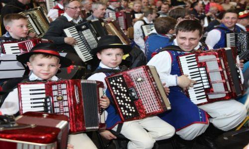 Zdjecie POLSKA / Pomorze, Kaszuby / Sulęczyno / Rodzinne granie