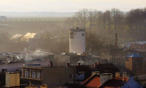 Zdjęcie POLSKA / Dolny Śląsk / Paczków / Paczków, wszechobecny dym