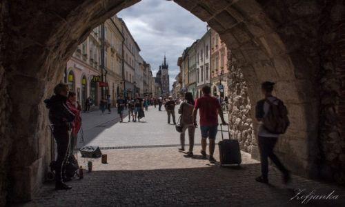 Zdjecie POLSKA /   /  Kraków, Stare Miasto / W bramie