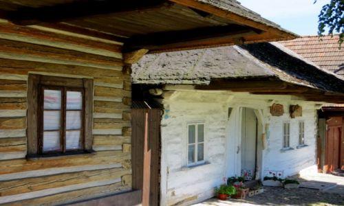 Zdjecie POLSKA / Małopolska / Lanckorona / szlakiem architektury drewnianej...