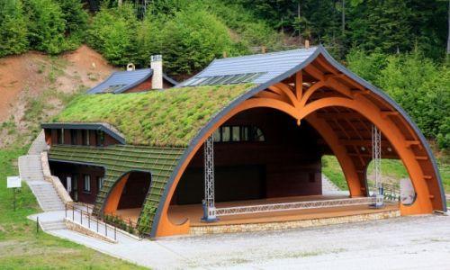 Zdjęcie POLSKA / Podkarpackie / Iwonicz Zdrój / Amfiteatr pod zielonym dachem
