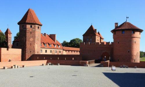 Zdjęcie POLSKA / Malbork / Gotycki zamek krzyżacki / Brama Nowa, od strony kas