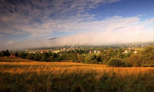 Zdjęcie POLSKA / Beskidu Niskiego / Wysowa / Poranne mgły
