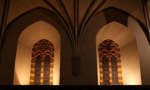 Zdjęcie POLSKA / Malbork / Gotycki zamek krzyżacki / Okna