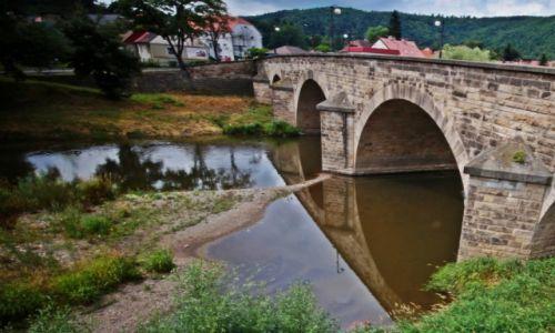 Zdjecie POLSKA / Dolnośląski / Bardo / Most kamienny.