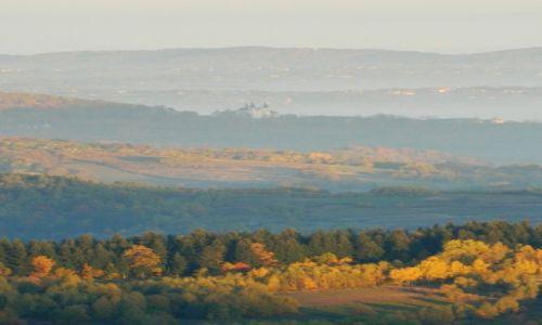 Zdjęcie POLSKA / beskid makowski / Koskowa Góra / w obiektywie Klasztor Kalwaryjski