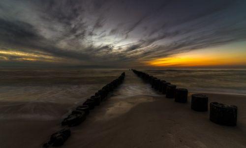 Zdjęcie POLSKA / wybrzeże / plaża / o zachodzie słońca