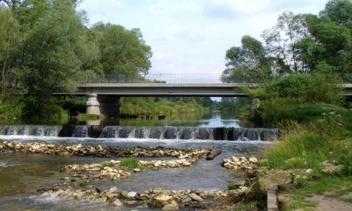 Zdjęcie POLSKA / Opolski / Staniszcze wielkie / Most nad rzeką
