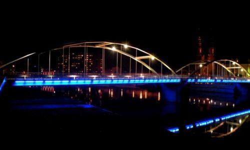 Zdjęcie POLSKA / opolski / Opole / Najważniejszy most w Opolu, nocą.