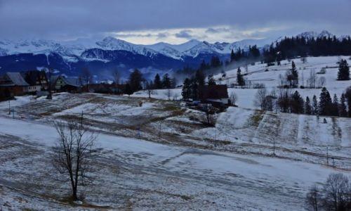 POLSKA / Ma�opolska / Gliczar�w G�rny / Widok z okna zimowy