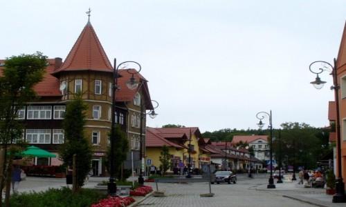 Zdjęcie POLSKA / dolnoślaskie / Świeradów Zdrój / Uliczka w Świeradowie Zdroju