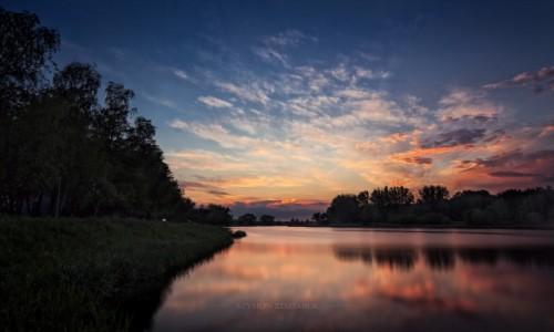 Zdjęcie POLSKA / Wielkopolska / Września / Zdążyć przed ciemnością
