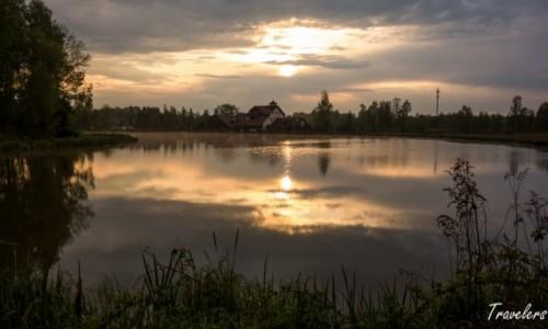 Zdjecie POLSKA / Dolnośląskie / Gryfów Śląski / Zachód słońca nad wodą