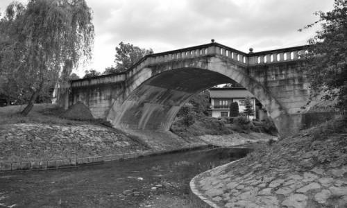 Zdjęcie POLSKA / Małopolska / Kalwaria Zebrzydowska / O jeden most za daleko...