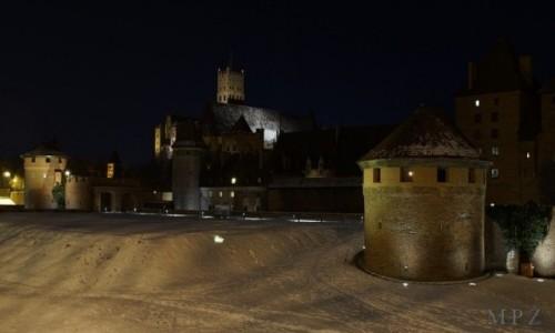 Zdjecie POLSKA / Malbork / Malbork / Malbork- zamek nocą