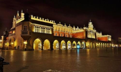Zdjecie POLSKA / Małopolska / Kraków / Kraków, Sukiennice