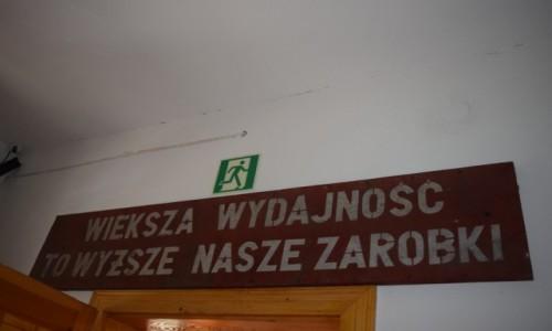Zdjecie POLSKA / Podkarpackie / Muzeum w Majdanie / Hasło dla narodu:))