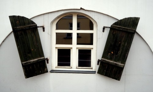 Zdjęcie POLSKA / Suwalszczyzna / Sejny / Okno