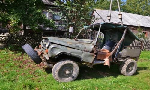 POLSKA / Beskid Ma�y / gdzie� przy szlaku / jeep