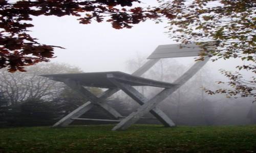 POLSKA / Ma�opolska / Hucisko / pomnik niemo�liwy