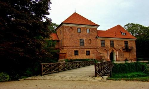Zdjęcie POLSKA / województwo łódzkie / Oporów / Oporów-zamek w stylu gotyckim wzniesiony w latach 1434-1449