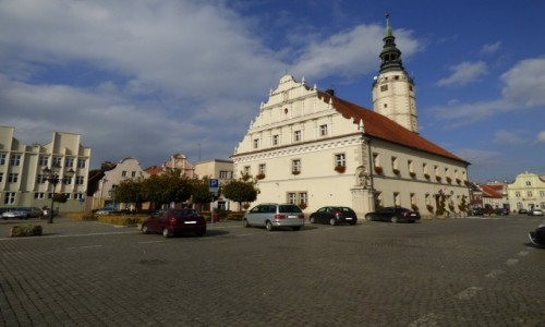 Zdjecie POLSKA / �l�sk Opolski / G�og�wek, powiat prudnicki, wojew�dztwo opolskie / Budynek ratusza